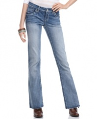 Be true blue in the Metro jean from Hydraulic. Classic denim never goes out of style!