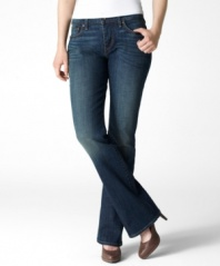 Go bold and show off your silhouette in Levi's classic bold curve bootcut jeans! The antiqued wash gives them a perfectly-worn-in look!
