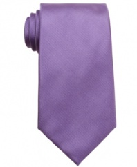 Switch hit. This solid tie from Perry Ellis looks great atop a patterned dress shirt.