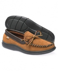 Spend your downtime in style when you slip into this pair of men's house shoes. These comfortable suede slippers for men offer all the comfort and warmth you need to kick back and relax.