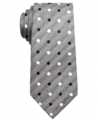 Pair your patterns in one easy motion. This Ben Sherman skinny tie makes it happen with cool confidence.