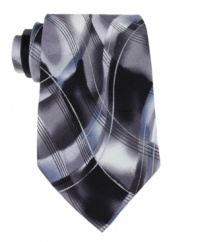 With an artistic abstract pattern, this tie from Jerry Garcia is everything you want it to be.