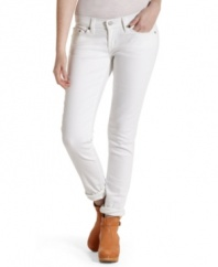 Break up your blues with a pair of white wash denim from Levi's – a great addition to your collection of skinny jeans!
