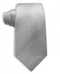 Simple and classic, you can never go wrong with a solid Perry Ellis silk tie.