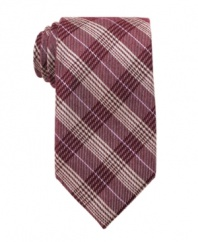 In a natty glen plaid, this wool tie from Perry Ellis lets you change up your style to suit the season.