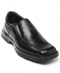 Want a pair of men's dress shoes that will let you march into  the office with the right amount of cool confidence? Then slip into these comfortable Via Europa loafers.
